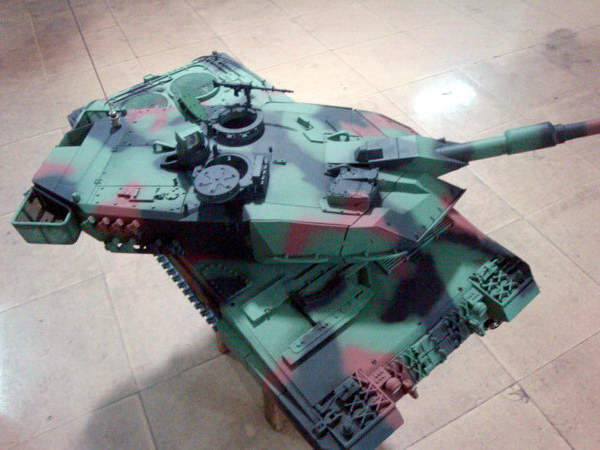 1/8 Leopard 2A6 Production process photo